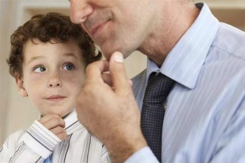 Minden gyerek azokat tekinti tájékozódási pontnak, akikkel összetartozónak érzi magát.